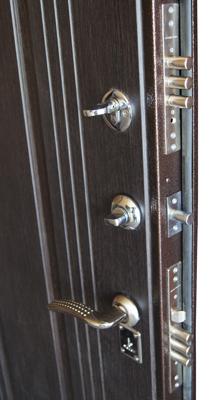 входные металлические двери А-4 венге с зеркалом